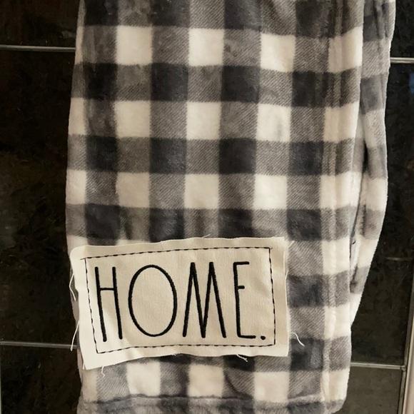 Rae Dunn - HOME - blanket